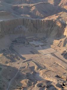 Louqsor rive ouest, temple d'Hatchepsout (Nouvel Empire, XVIIIe dynastie)
